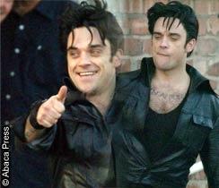Robbie jako Elvis
